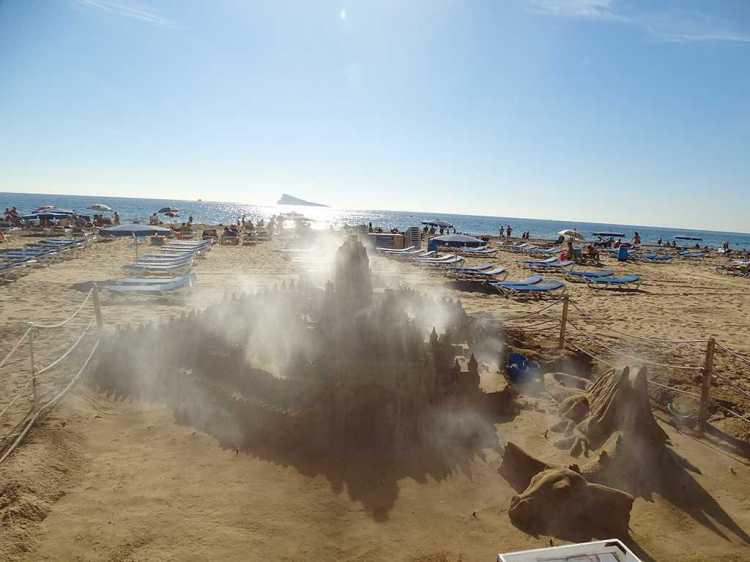 benidorm-sandcastle8