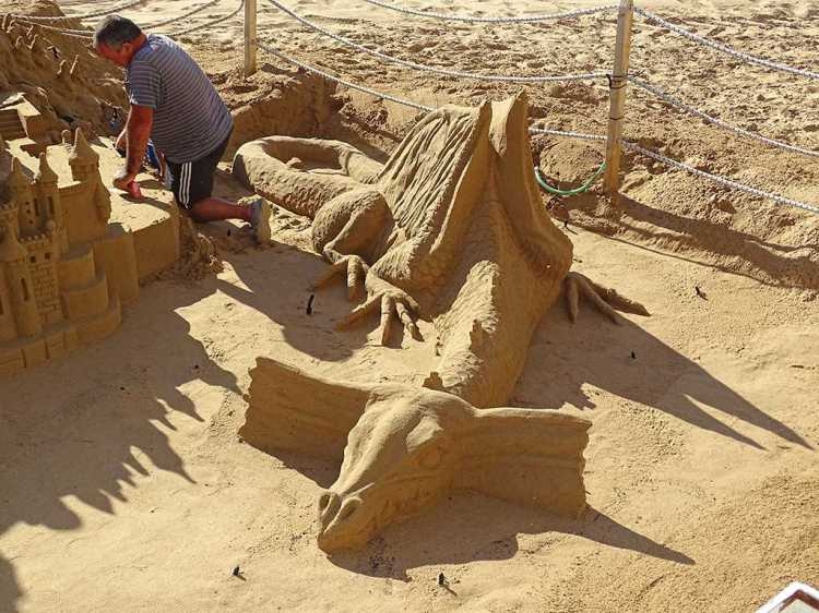benidorm-sandcastle4