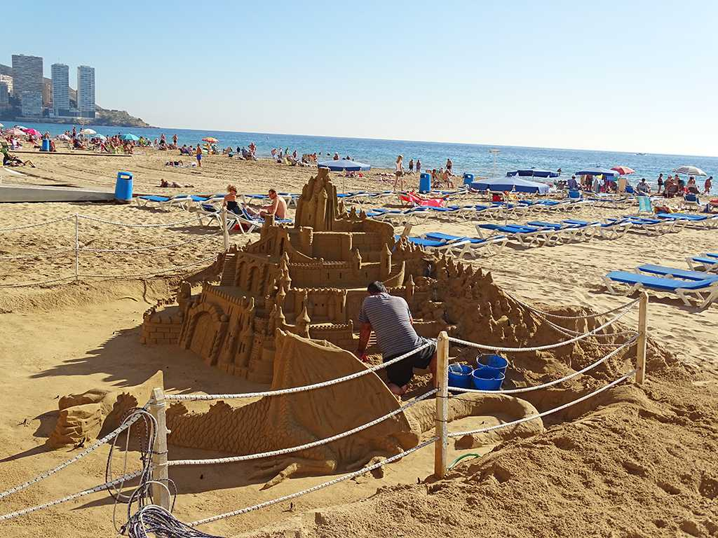 benidorm-sandcastle1